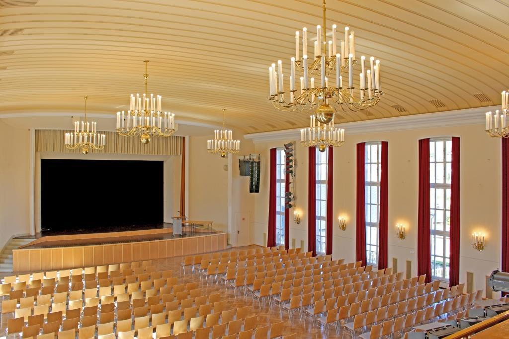 Großer Saal der Stadthalle Oelsnitz